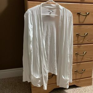 Women's American Eagle white cardigan with pockets